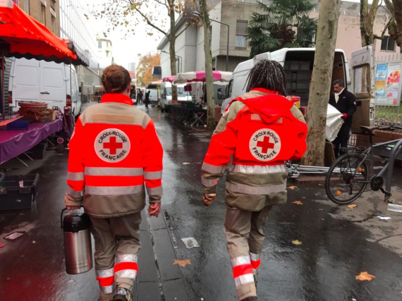 En maraude avec les bénévoles de la Croix-Rouge de Bagneux