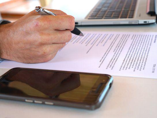 Refus des modifications des contrats d'abonnements téléphoniques : j'interpelle le Gouvernement