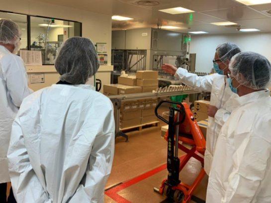 Visite des laboratoires Besins : je soutiens leur relocalisation industrielle à Montrouge