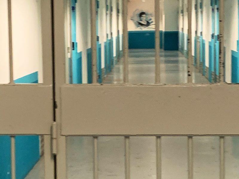Justice : je me rends à la prison de Nanterre et à la maison d'arrêt pour femmes de Versailles